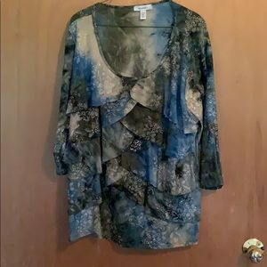 3/4 sleeve Glittery top so pretty front and back